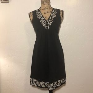 Gianni Bini V-neck, embroidered dress, size 2